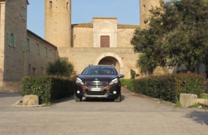 Peugeot 2008 ci conduce alla scoperta delle abbazie romaniche delle Marche