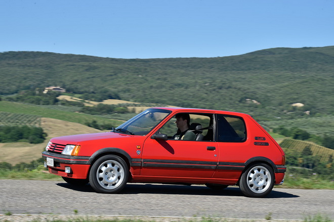 Peugeot_205_gti