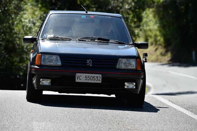 Peugeot_205_gutmann