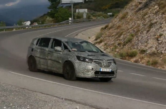 Nuova Renault Espace catturata in un video spia