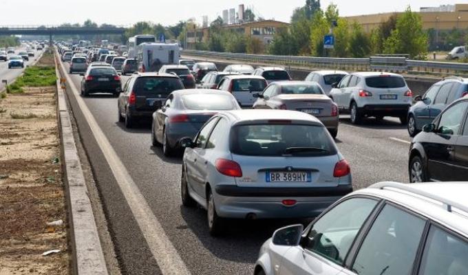 Assicurazioni, Ania: diminuiscono i prezzi Rc auto