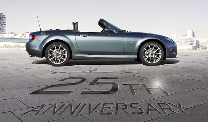 Mazda MX-5, il debutto della nuova generazione programmato per settembre