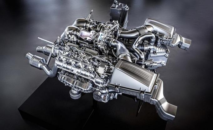 Mercedes AMG GT, focus sul motore
