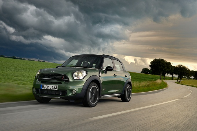 "MINI Countryman conquista il ""Top Safety Pick"" ai crash test americani"