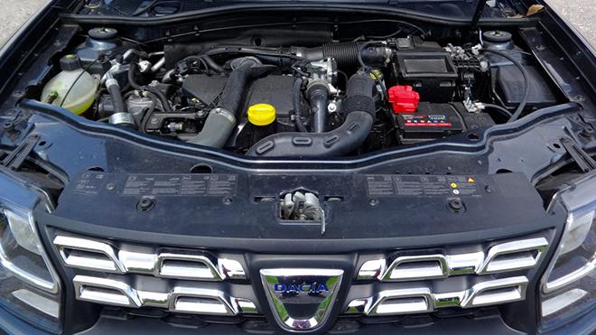 Dacia duster mezzanotte alessandro 4mo for Duster interni