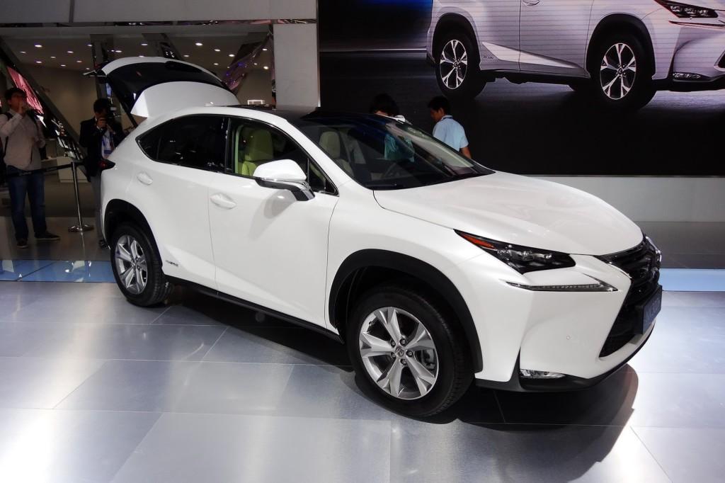 Lexus NX, il primo esemplare è uscito dalle linee di produzione