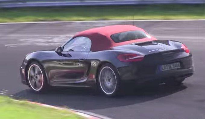 Porsche Boxster e Porsche Cayman: prototipi con motori a 4 cilindri spiati sul Nurburgring
