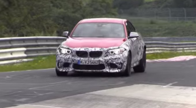 BMW M2, girato video spia al Nürburgring