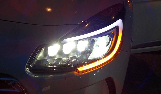 Citro n ds3 presentati i nuovi fari xeno full led foto e for Fari a led per auto