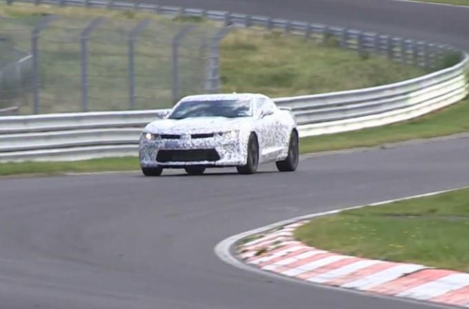 Nuova Chevrolet Camaro filmata in un video spia mentre gira al Nürburgring