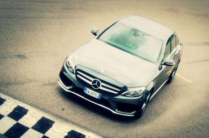 Mercedes Classe C Hybrid, dalla strada alla pista con Nico Rosberg [VIDEO]