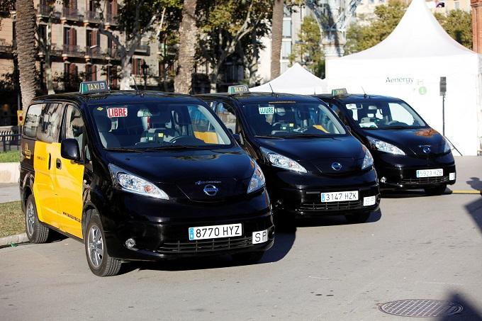 Nissan: primi taxi elettrici a Madrid e Barcellona