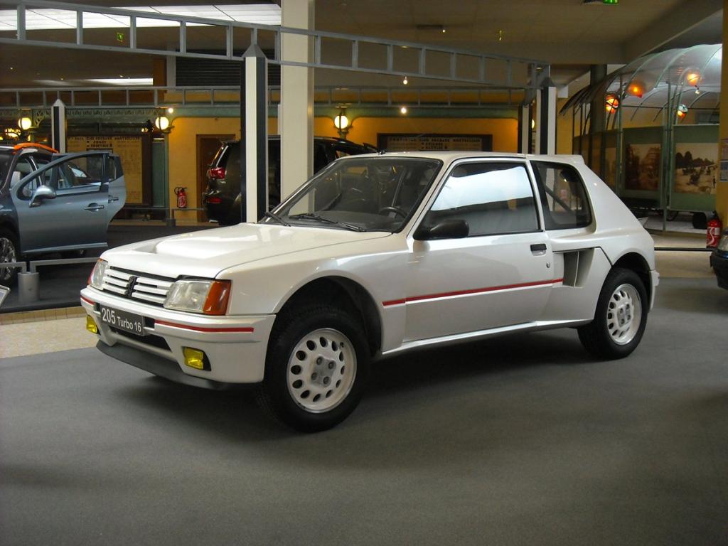 Peugeot 205 Turbo 16 festeggia 30 anni ad AutoMoto d'Epoca di Padova