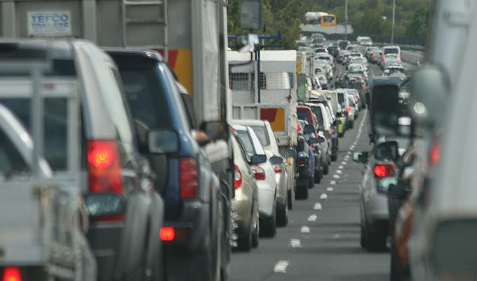 Auto nuove: bollo bloccato per tre anni, primo sì del Governo