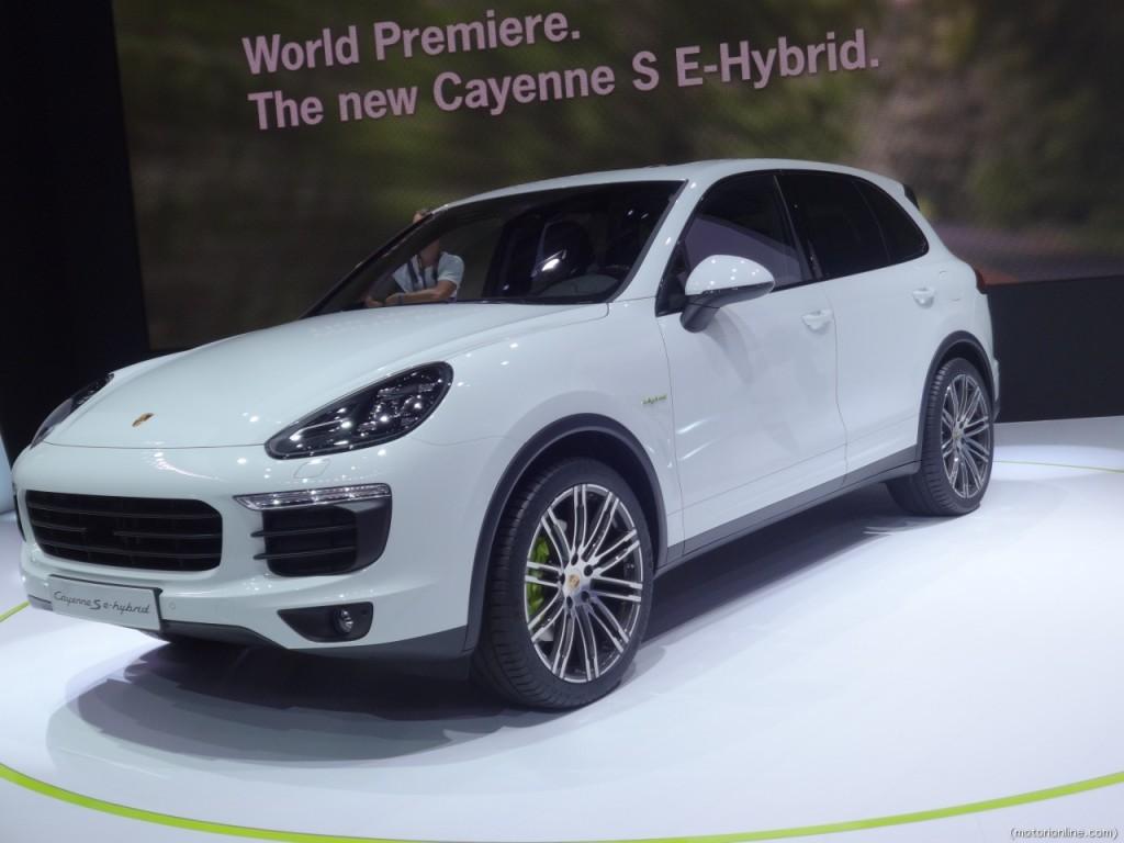 Porsche Cayenne S E-Hybrid, a Parigi anteprima del nuovo SUV ibrido plug-in [VIDEO INTERVISTA]