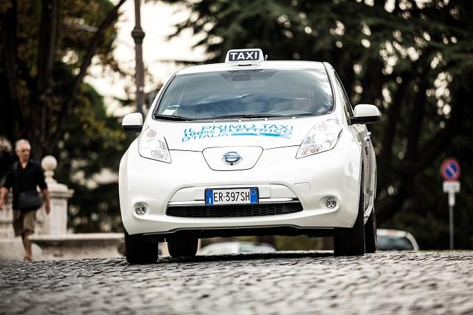 I taxi elettrici Nissan per le strade di Roma: l'intervista a Bruno Mattucci, AD Nissan Italia