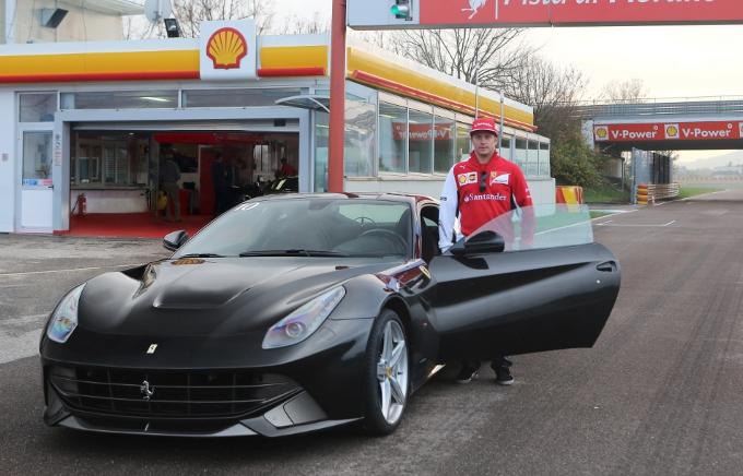 La Ferrari F12berlinetta e Kimi Raikkonen