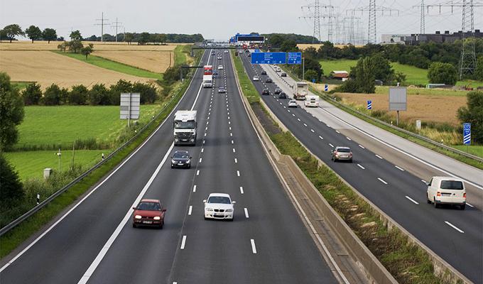 Autostrade in Germania: dal 2016 l'Autobahn per gli stranieri è a pagamento