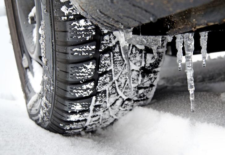 Gomme da neve e catene: ecco le risposte ai dubbi degli automobilisti