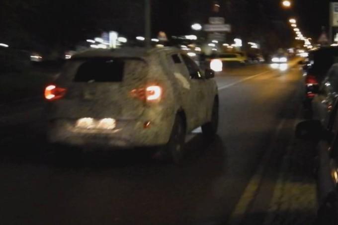 Nuovo SUV Renault avvistato in strada [VIDEO]