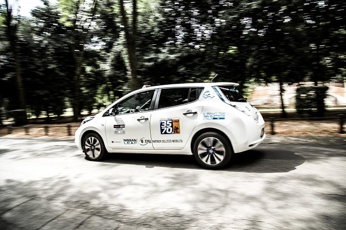 """Nissan vince il premio """"Super prodotto dell'anno"""" con i Taxi elettrici a Roma"""