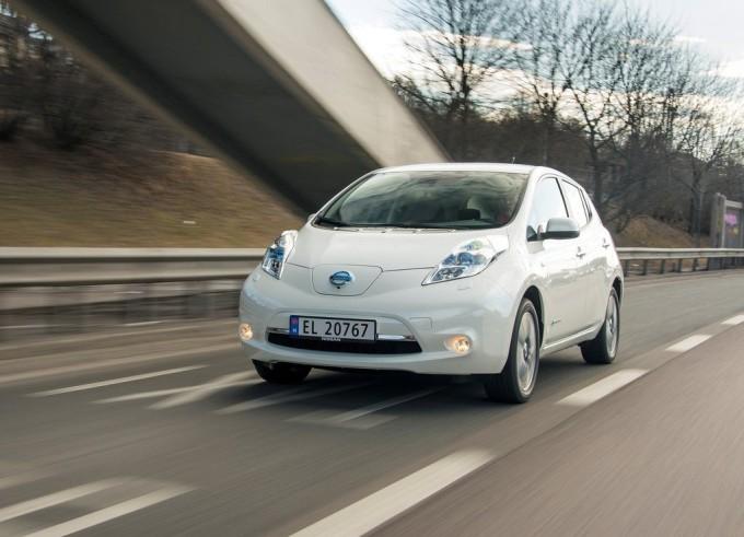 Nissan Leaf sempre più regina tra le auto elettriche