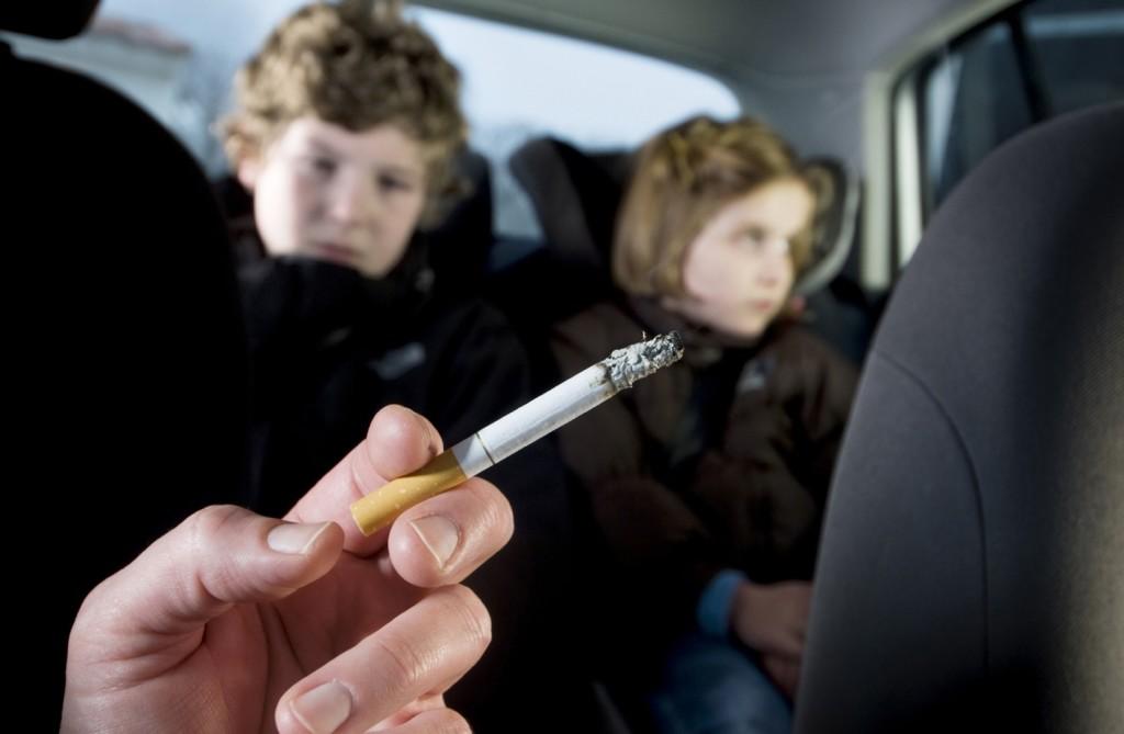 Legge sul fumo in macchina