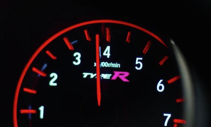 Honda Civic Type R: pronta la versione di serie per il Salone di Ginevra