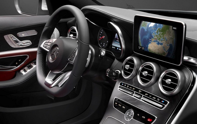 Mercedes C 350e Plug-in hybrid, disponibile su ordinazione