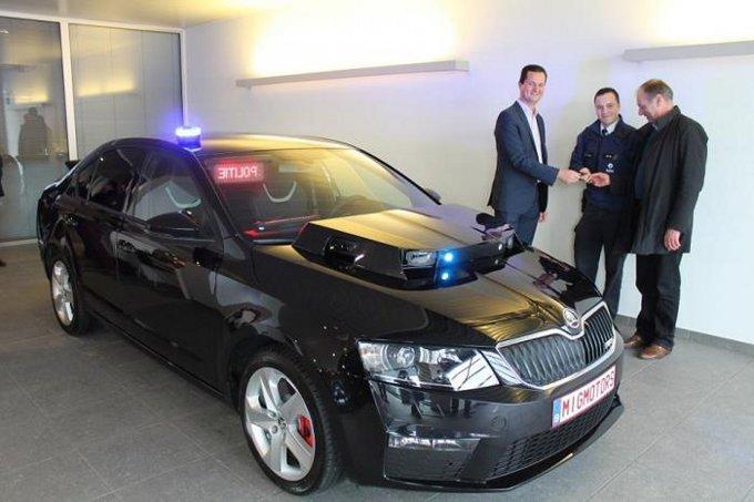 Skoda Octavia RS della polizia in Belgio con il sistema automatico di riconoscimento targa