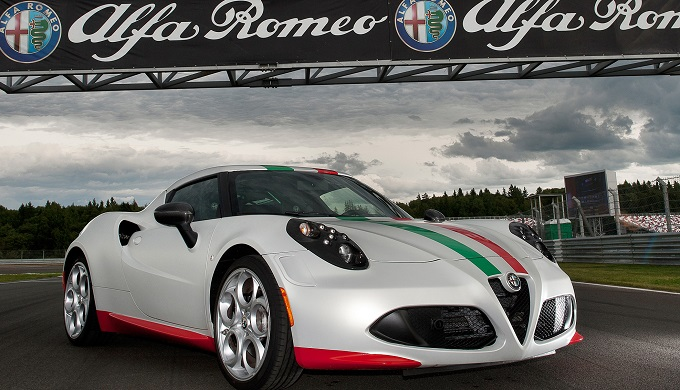 Alfa Romeo 4C, un contest deciderà la livrea della safety car della SBK