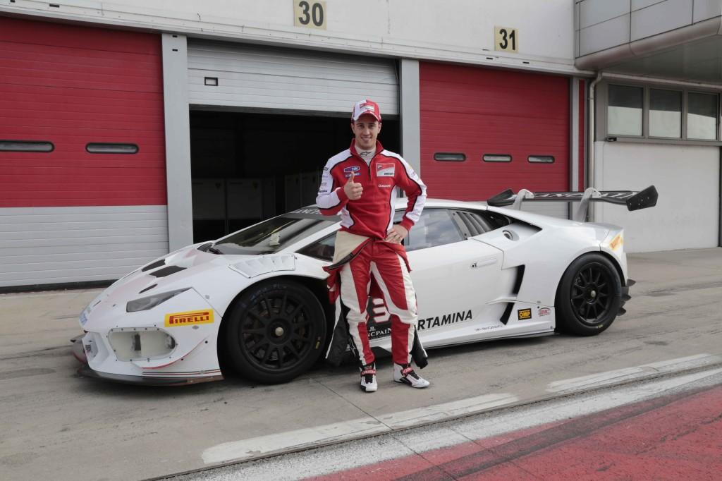 Andrea Dovizioso saggia in pista le doti della Lamborghi Huracan LP 620-2 Super Trofeo