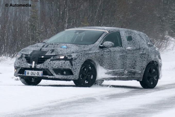 Renault Megane 2016 - Foto spia 27-02-2015