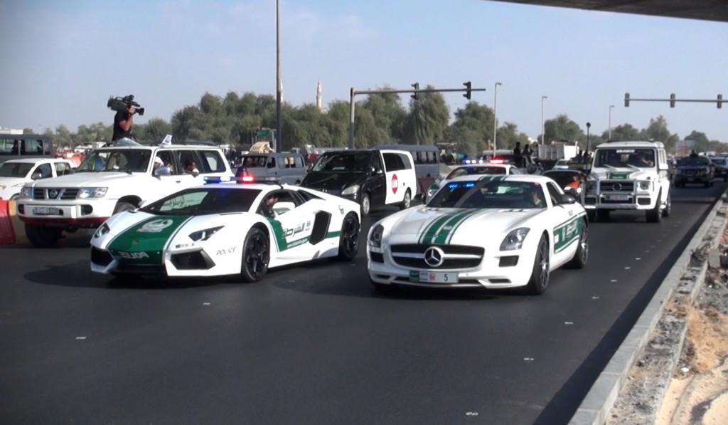 Polizia di Dubai, la flotta di supercars in un video in stile Fast & Furious