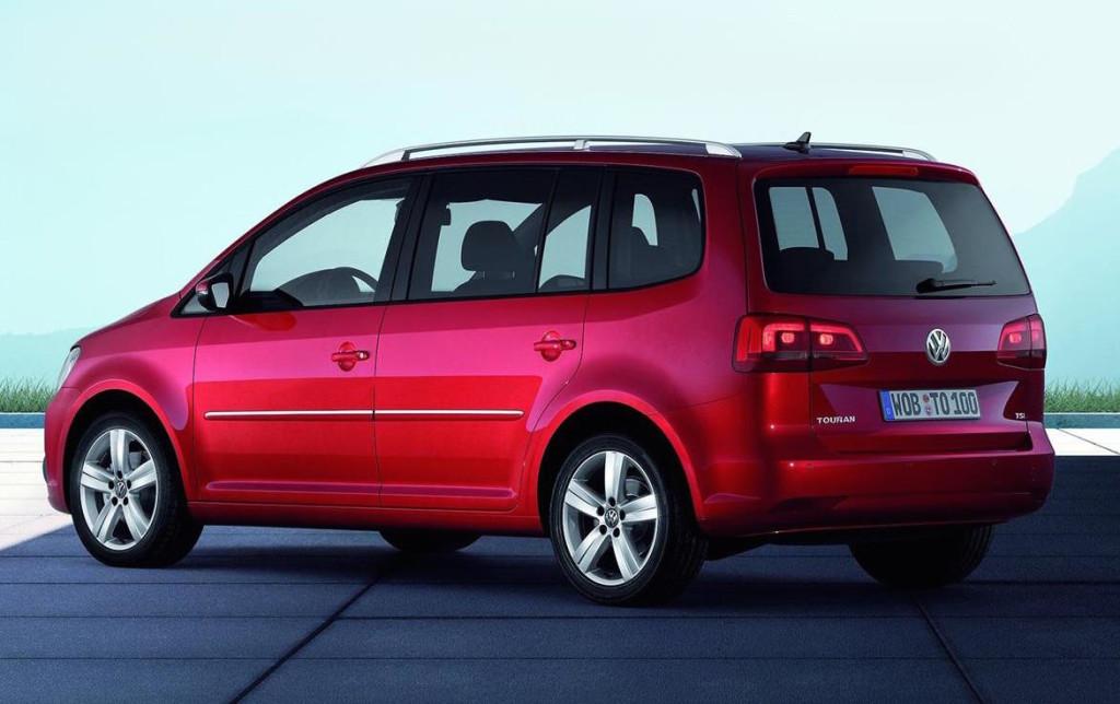 Volkswagen Touran 2015 verrà svelata al Salone di Ginevra 2015
