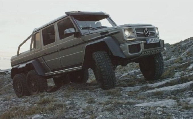 Mercedes G63 AMG 6×6 scala le montagne della Toscana [VIDEO]