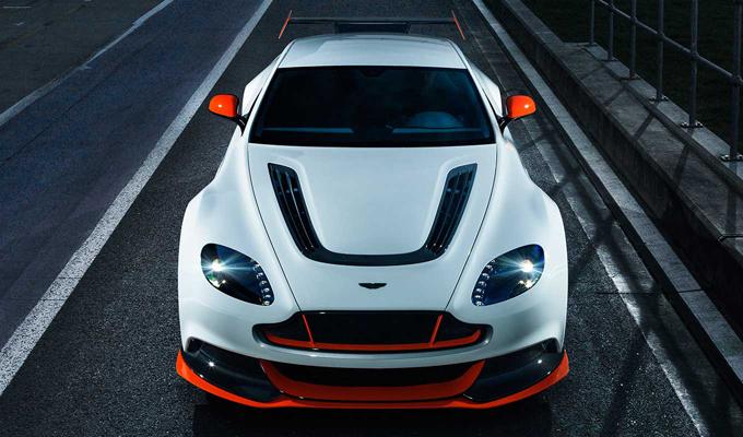 Aston Martin Vantage GT12: nuovo nome per l'ex GT3 [VIDEO]