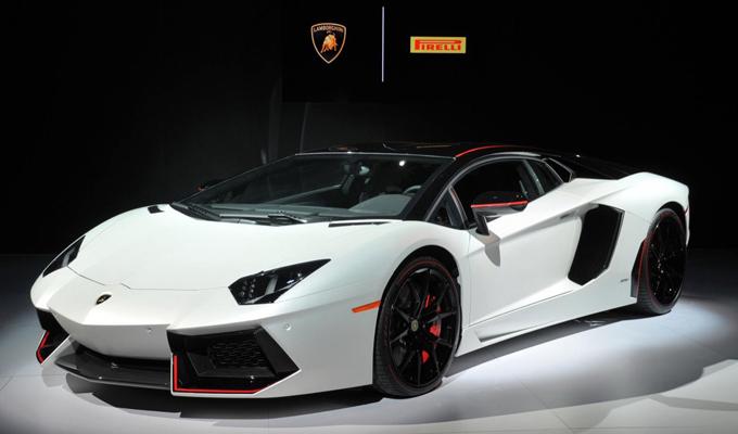 Lamborghini Aventador LP 700-4 Pirelli Edition - Salone di New York 2015