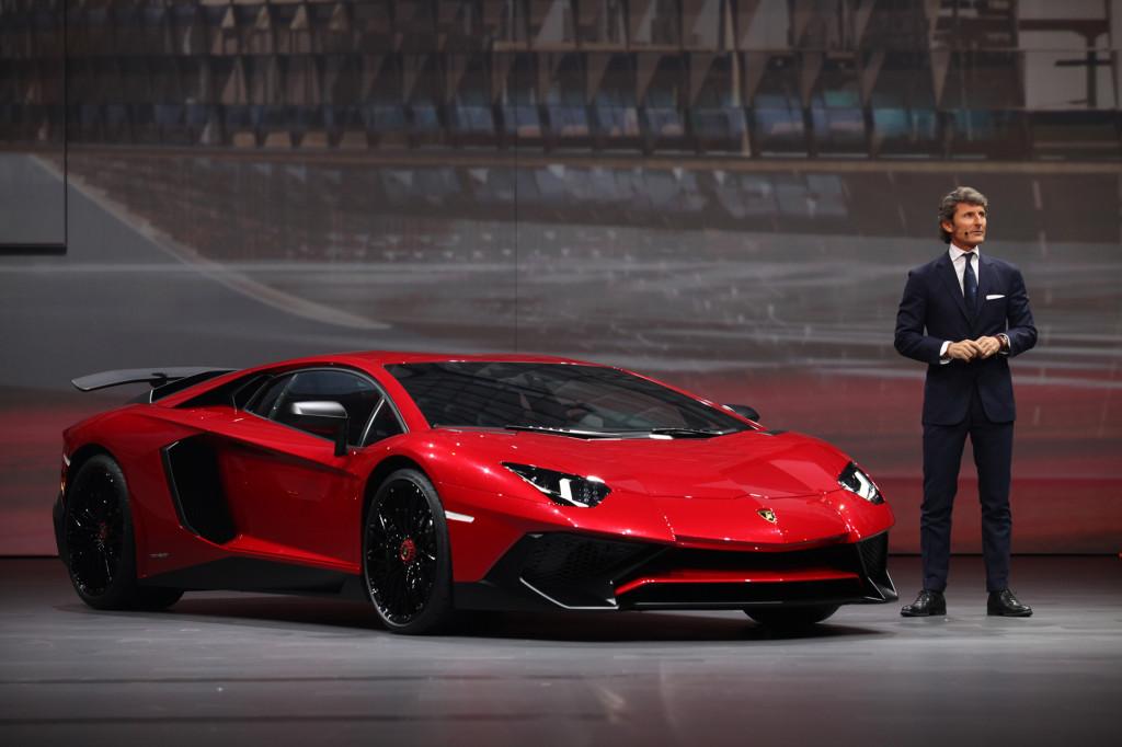 Lamborghini Aventador Superveloce sfreccia verso oriente e arriva a Shanghai