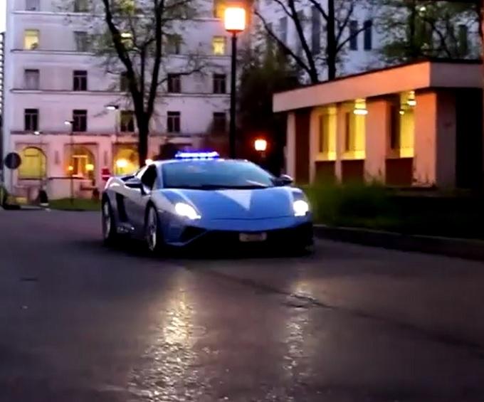 Lamborghini Gallardo, 560 CV al servizio della vita [VIDEO]