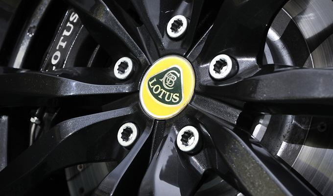 Lotus: nei piani della casa ci sarebbe anche un crossover