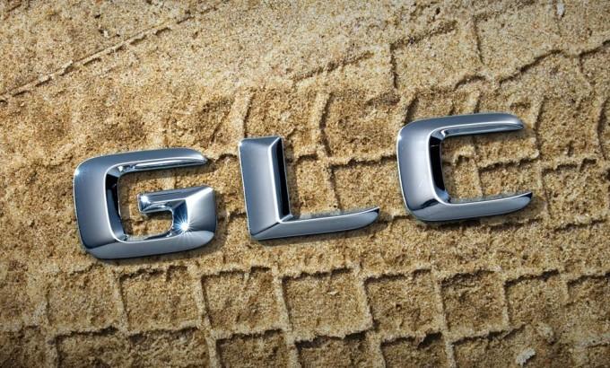Mercedes GLC, nuova immagine teaser in vista dell'anteprima del 17 giugno