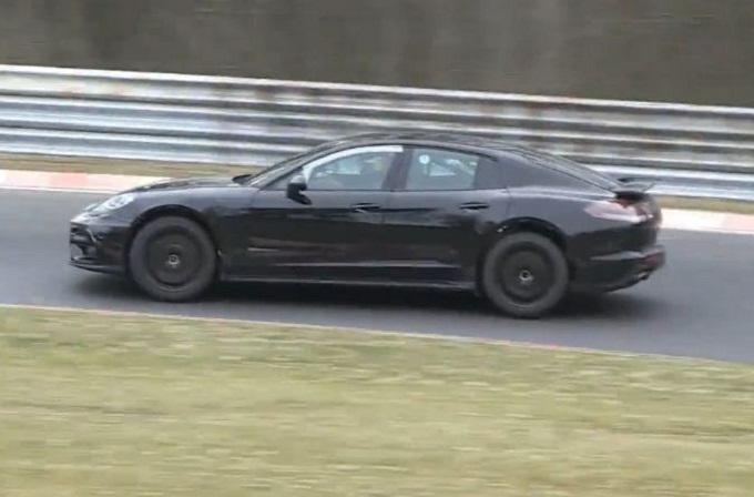 Porsche Panamera MY 2016 al Nürburgring [VIDEO SPIA]