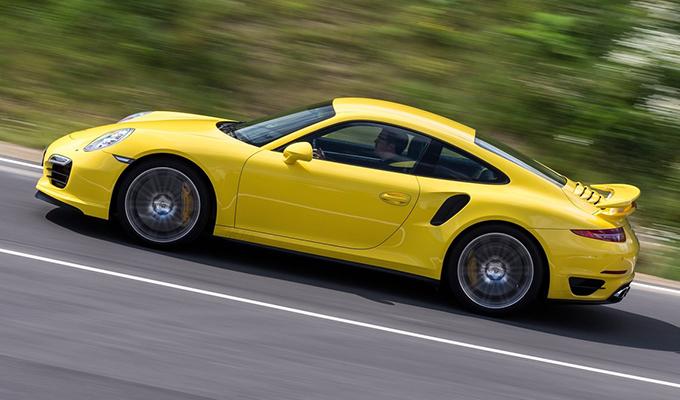 Porsche 911 MY 2018: escluso l'arrivo di un motore otto cilindri