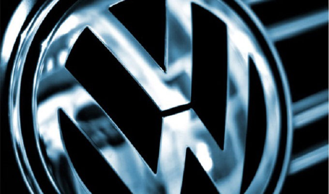 Volkswagen: il presidente Piëch si dimette, lascia l'incarico anche la moglie
