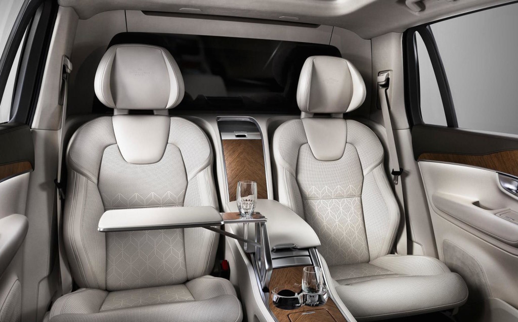 Volvo XC90 Excellence, il lusso svedese più estremo per il maxi SUV