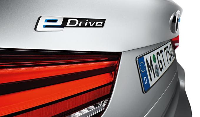 BMW: in programma lo sviluppo di un nuovo sistema Power eDrive ibrido plug-in