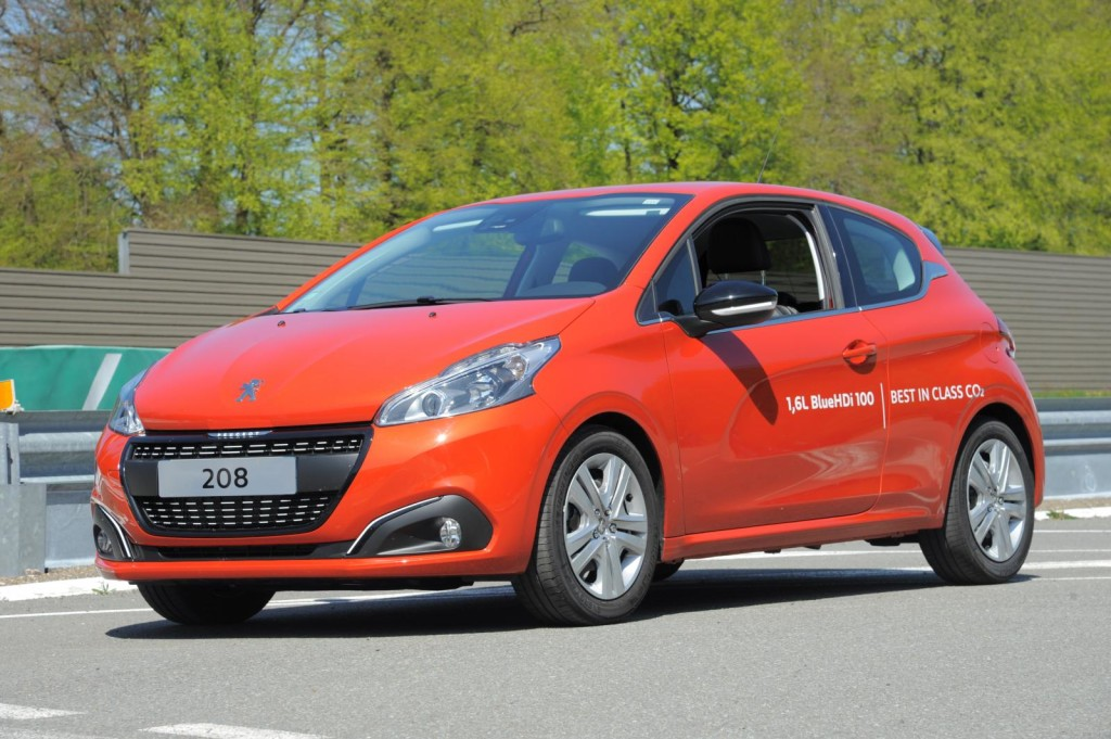 Peugeot 208 BlueHDi fa registrare consumi record: 2,0 l/100 km