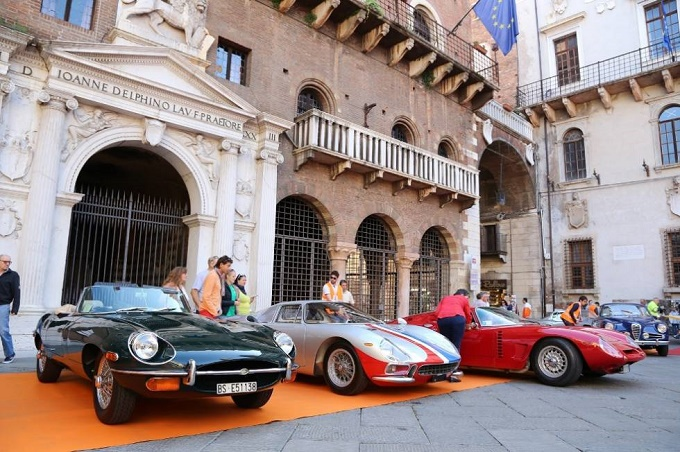 Verona Legend Cars, i motori e le auto d'epoca si incontrano nella città scaligera