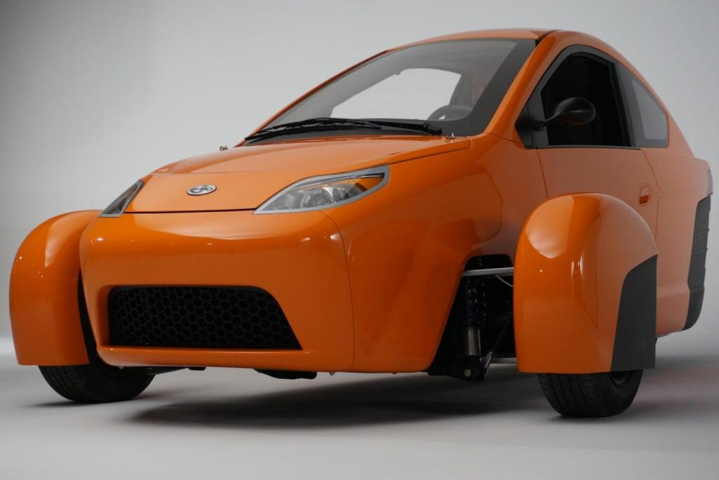 Elio P5, il ritorno del veicolo biposto a tre ruote con consumi di 2,8 l/100 km